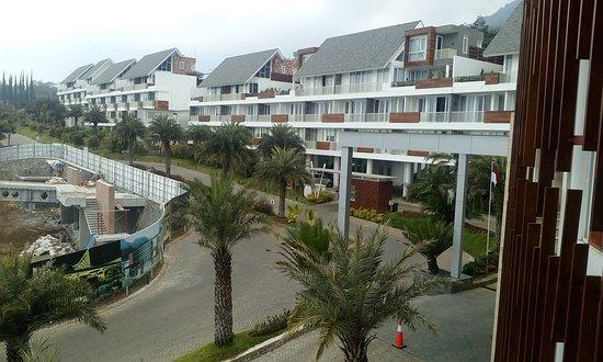 amarta-hills-hotel-and
